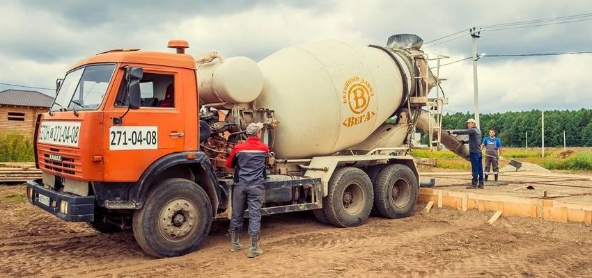 транспортировка бетонной смеси автобетоносмесителями